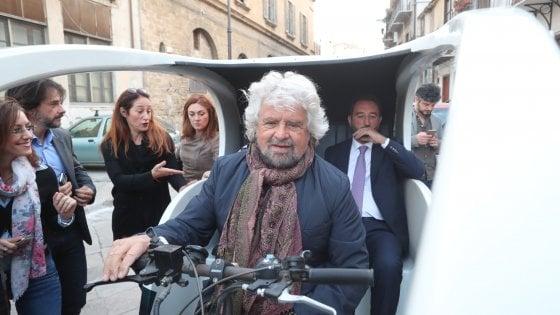 """Grillo a Palermo: """"Sicilia come la Catalogna, il futuro è il decentramento. Le regionali sono un referendum"""""""