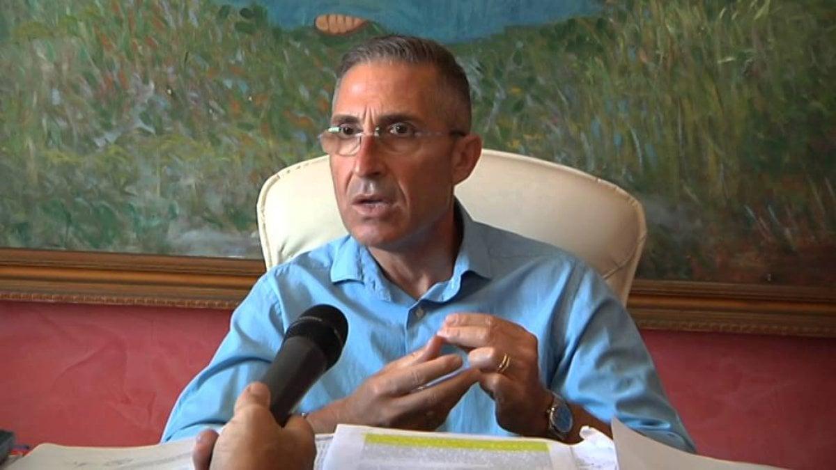 Priolo confermato il divieto di dimora per l 39 ex sindaco for Priolo arredamenti torino