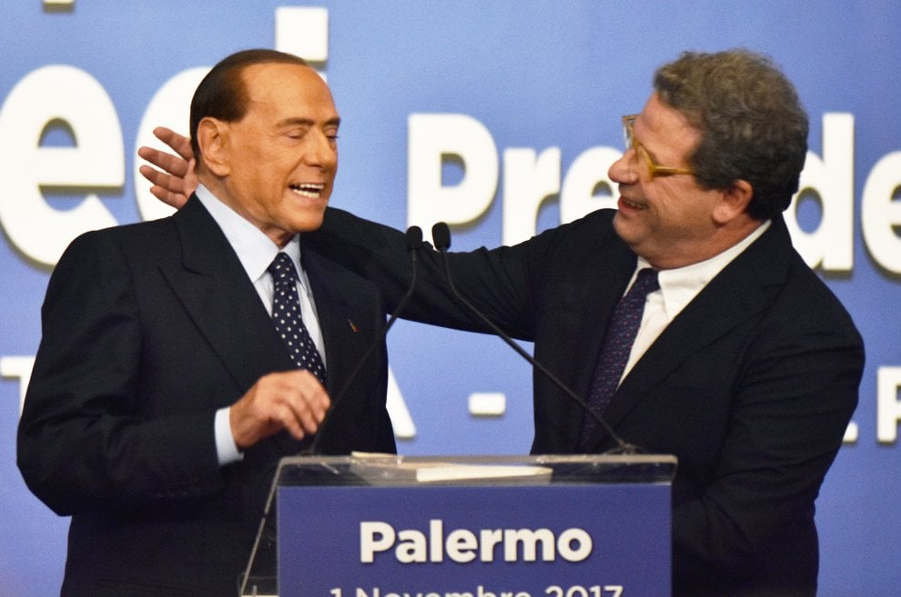 Berlusconi a Palermo, passerella con i vecchi forzisti