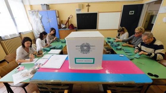 """Spoglio in Sicilia il giorno dopo la chiusura dei seggi, Crocetta: """"Un errore, dovevamo cambiare la legge"""""""