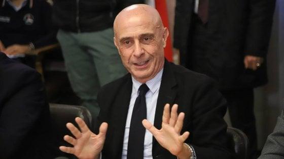 """Regionali Sicilia, Minniti ai prefetti: """"Massima vigilanza sul voto, seria minaccia della criminalità"""""""