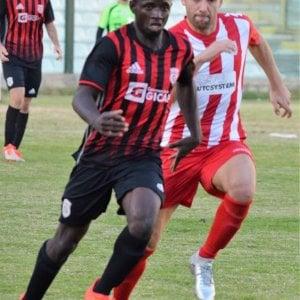 Giarre, insultato per il colore della pelle e squalificato: la beffa di un calciatore senegalese
