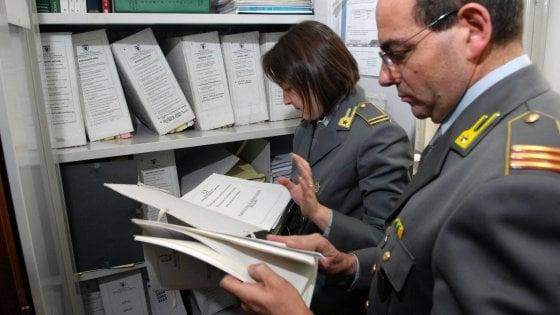 Certificati in cambio di mazzette sequestrati beni a ex direttore Inail