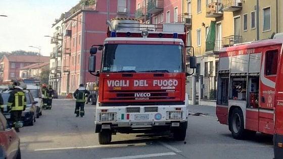 Borgo Nuovo, incendiate due auto della parrocchia. Nuova intimidazione a don Trumello