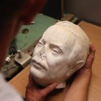 Palermo, torna allo Zen il busto restaurato di Giovanni Falcone