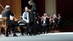 Sidorova, fisarmonicista-fenomeno belle esecuzioni di Bach e Piazzolla