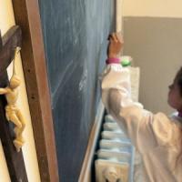 Palermo, vietato pregare in scuola. Rimosse statua della Madonna e foto del Papa