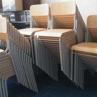 Palermo: al liceo Cannizzaro donati 60 banchi e 120 sedie