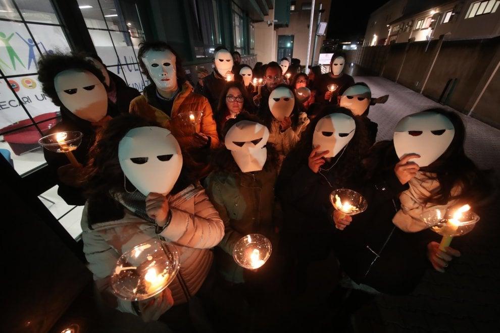 In fiaccolata per chiedere la stabilizzazione: protesta al Cnr di Palermo