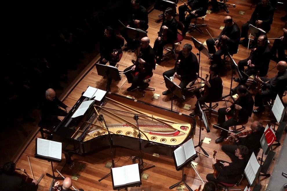 Einaudi incanta al Teatro Massimo
