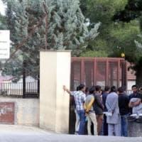 Incendio al centro di accoglienza di Caltanissetta, indagine sui migranti