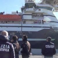 Migranti, arrestati tre presunti scafisti a Ragusa