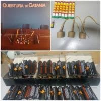Catania, bombe carta e mazze: trovato un arsenale agli ultrà del Matera