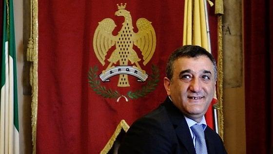 Tentativo di concussione al Comune di Palermo, il sindaco: