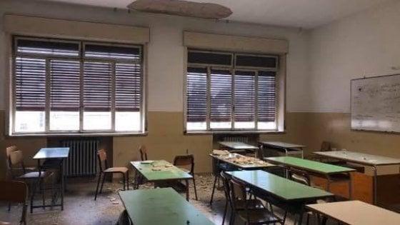 Cade intonaco in una scuola a Siracusa: due studentesse ferite