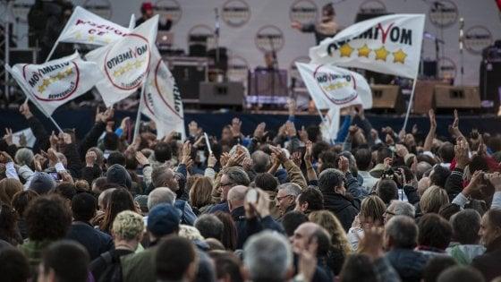 """""""Sulle candidature scelte imposte dall'alto"""": M5S, nella chat della base monta il malcontento"""
