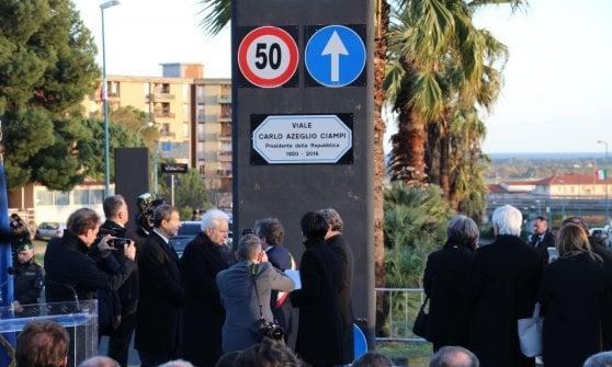 Il presidente Mattarella in visita a Catania, bagno di folla a Librino