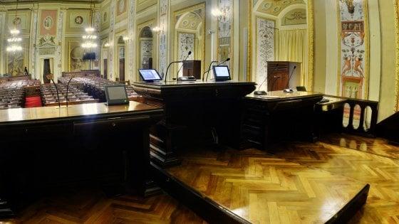 Stipendi d'oro Ars, torna la proposta di un tetto da 240mila euro