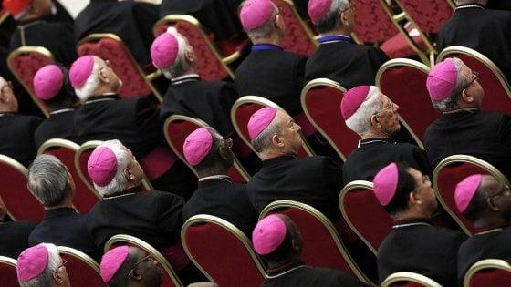 """Sicilia, l'attacco dei vescovi agli stipendi d'oro dell'Ars: """"Noi contro i privilegi"""""""