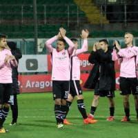 Calcio, il Palermo a La Spezia: tre in corsa per sostituire Cionek