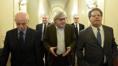 Regione, Sgarbi candidato al Senato ma non lascerà l'assessorato: