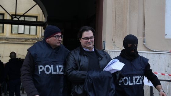 """Il """"re"""" delle scommesse on line in affari coi boss. Blitz della squadra mobile, arrestato Ninì Bacchi"""