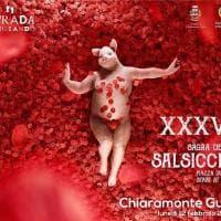 Ragusa, l'attrice di American Beauty trasformata in scrofa: polemica sulla locandina della sagra