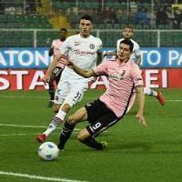 Il Palermo ritrova il pubblico, ma perde la partita. La squadra va in ritiro