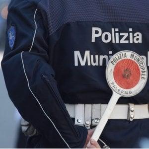 Palermo, vigili urbani aggrediti durante un controllo