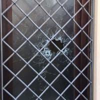 Enna, spari contro le finestre di un centro migranti