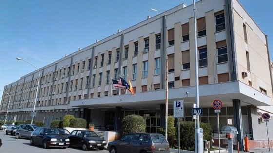 Palermo, il Civico chiama la compagna del manager: si dimette il direttore amministrativo
