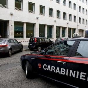 Palermo, facevano prostituire la figlia di 9 anni: arrestati i genitori e due pedofili