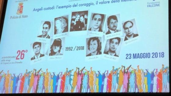Stragi del '92, il ricordo: in piazza 70mila studenti