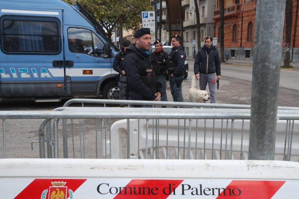 Cortei dei centri sociali e comizio di Fiore: Palermo città blindata