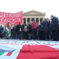"""Palermo, Fiore ripiega in albergo: """"Repubblica non è ammessa"""""""