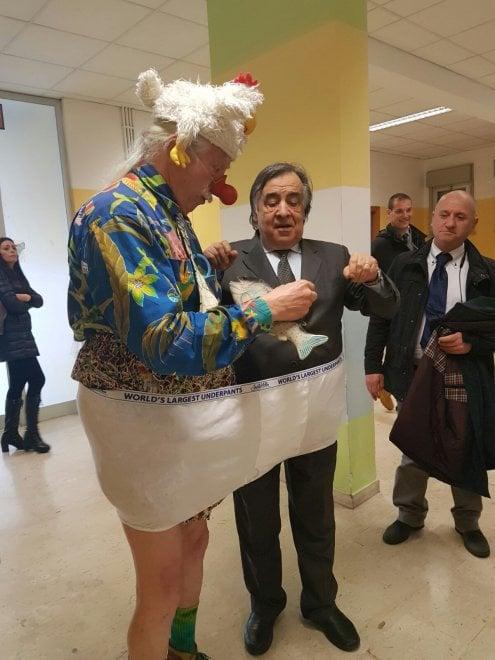 Patch Adams a Palermo: visita all'ospedale dei Bambini