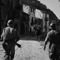 Robert Capa, le foto della Seconda guerra mondiale esposte in provincia di Enna