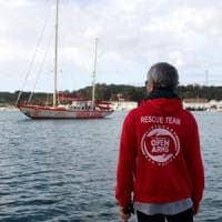 Migranti, sequestrata nave ProActiva Open Arms: l'accusa è di associazione