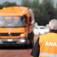 Catania, si ribalta un tir in tangenziale: traffico bloccato