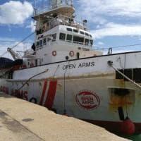 Migranti, il sequestro della Open Arms. L'equipaggio ai pm: