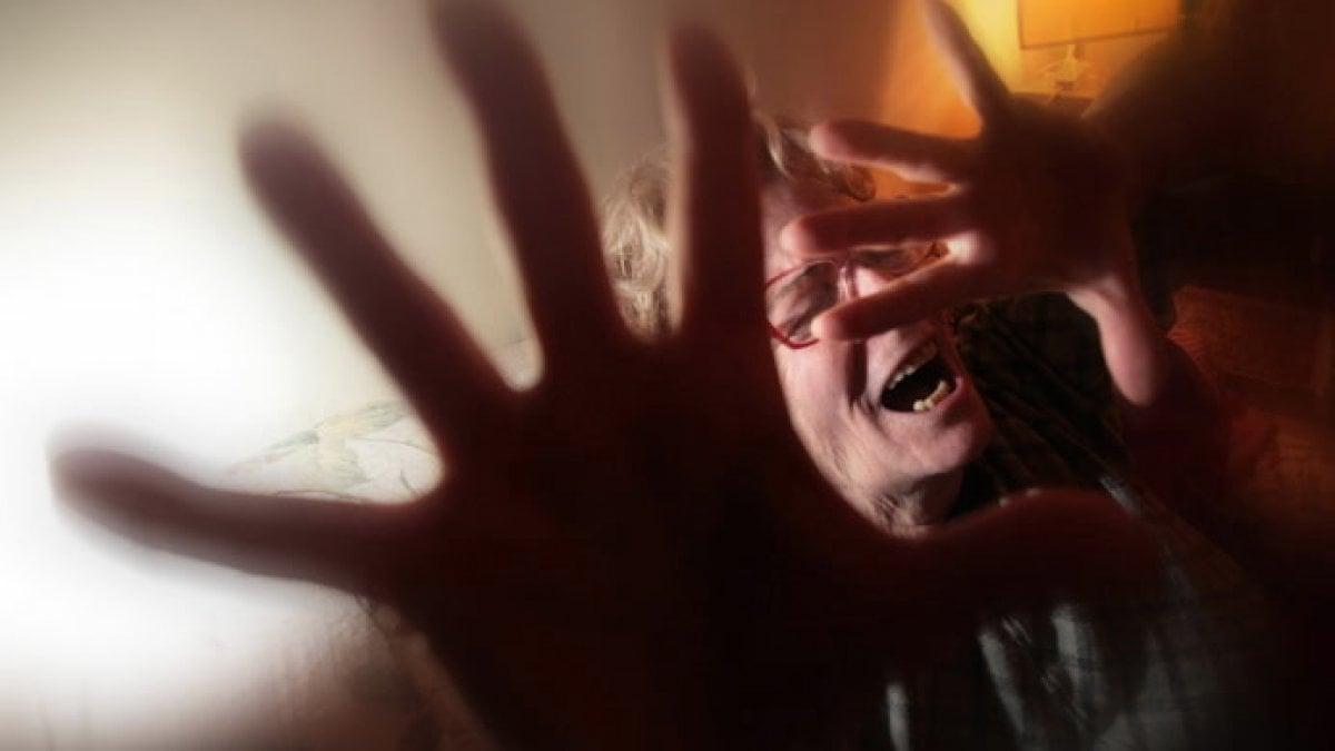 Palermo fa arrestare il figlio che picchiava la moglie for Pulizie domestiche palermo
