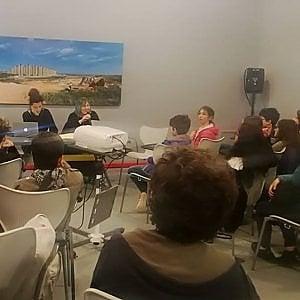 Palermo, Letizia Battaglia sale in cattedra: lezione di fotografia a 30 bambini