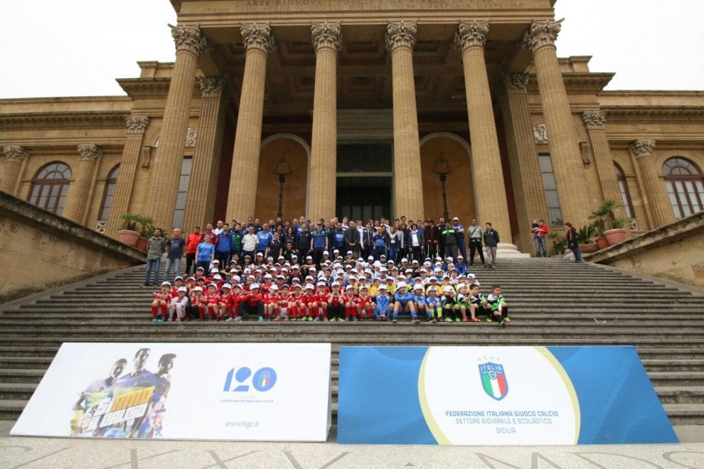 Palermo, calcio baby in piazza Verdi