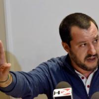 """Salvini a Catania """"commissaria"""" la Lega e fa il patto con Forza Italia"""