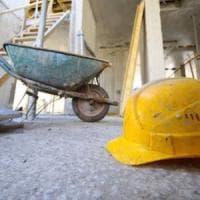 Palermo, operaio di 69 anni cade dal tetto e muore