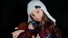 """Le bambole-bebè di Elisa """"Così rievoco l'infanzia""""   di EUGENIA NICOLOSI"""
