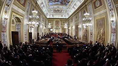 Rep    :    Vitalizi ai deputati: la spesa cresce un assegno anche a 11 condannati