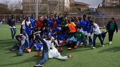 Rep    :    Mineo, un calcio all'ansia per il futuro la squadra del Cara festeggia la promozione