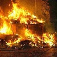Allarme rifiuti a Palermo, cassonetti in fiamme nella notte