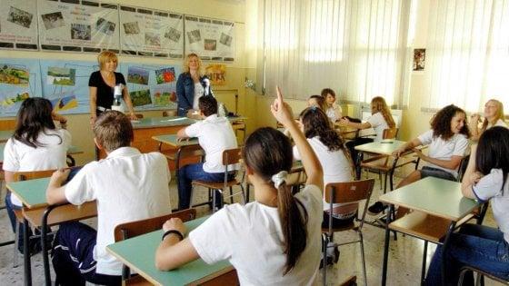 """Istruzione: solo 11 giorni per viaggi e attività all'esterno. Presidi in rivolta: """"A rischio didattica e Scuola lavoro"""""""